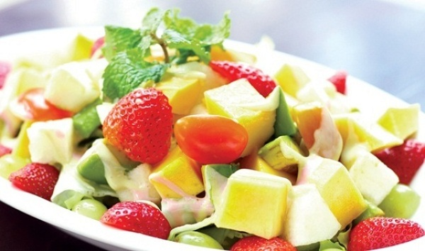 làm hoa quả dầm sữa chua