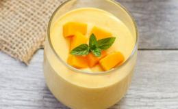 Cách làm sữa chua xoài ngon nhất tại nhà cho những ngày hè oi bức cho tín đồ ăn vặt