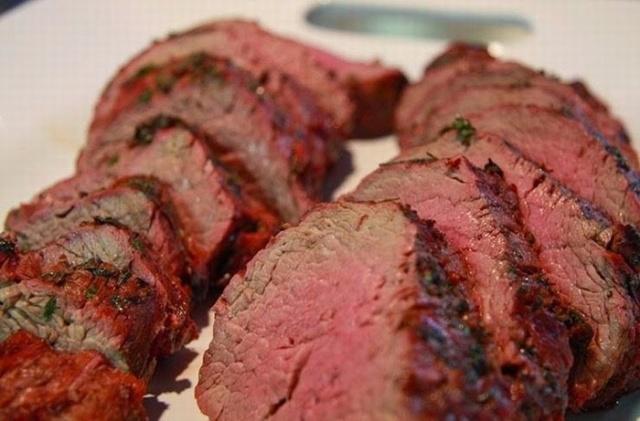 Ăn thịt bò tái có tốt không