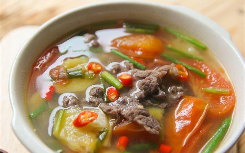 Cách nấu canh cà chua thịt bò thơm