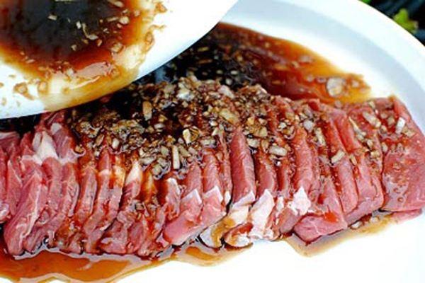 Cách ướp thịt bò nướng chuẩn vị
