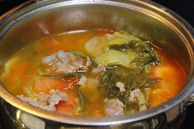 cách nấu canh dưa cải chua thịt bò