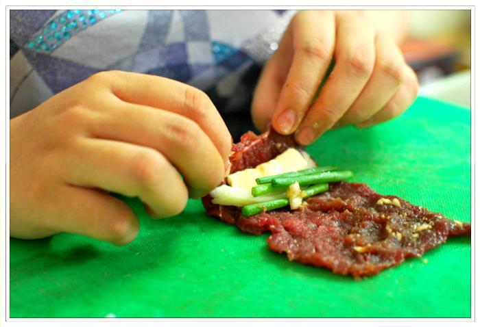 cách làm bò cuộn phô mai chiên