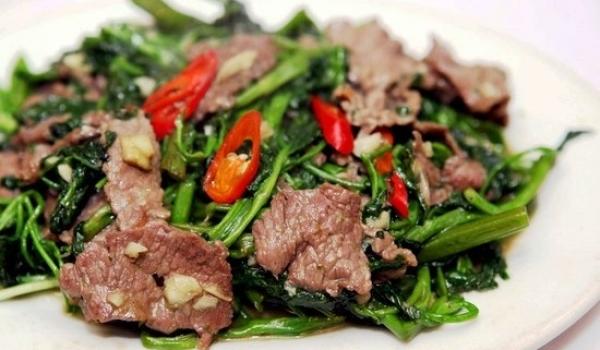 thịt bò xào rau muống ngon