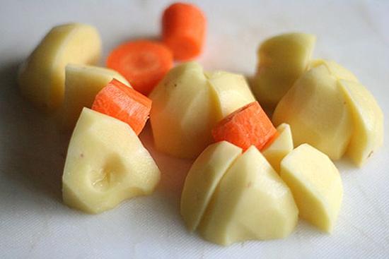 bò hầm khoai tây cà rốt