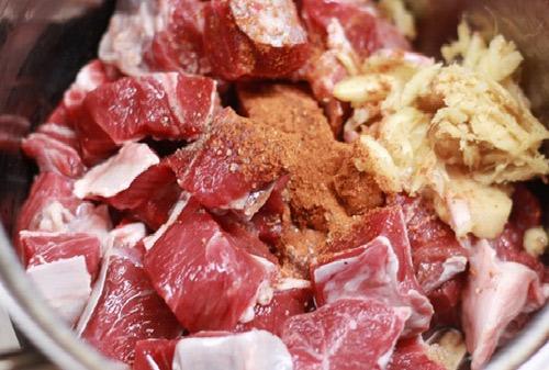 thịt bò nấu đậu.