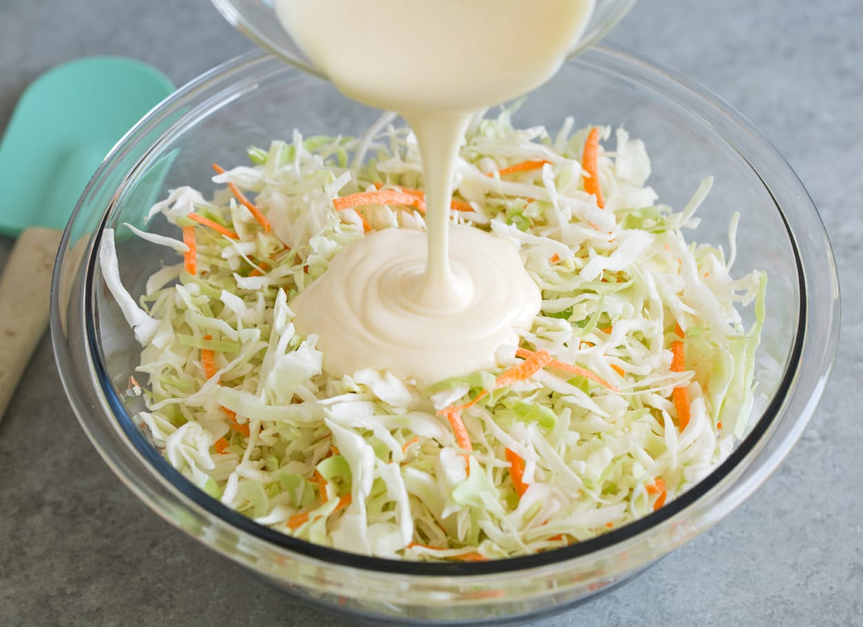 Cách làm bắp cải trộn sốt mayonnaise