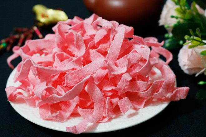 Mứt dừa màu hồng bột dâu tây