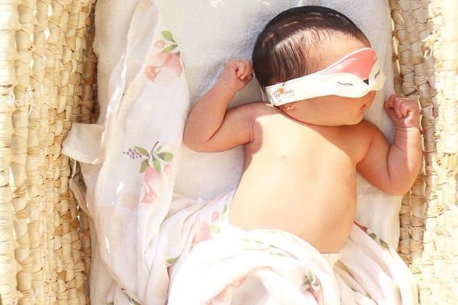 cách tắm nắng cho trẻ sơ sinh