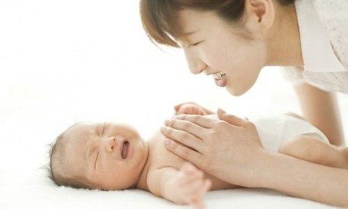bổ sung canxi cho trẻ sơ sinh đúng cách