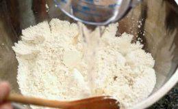 Hướng dẫn cách làm bánh rán mật đường mật ong ngon ngọt hấp dẫn