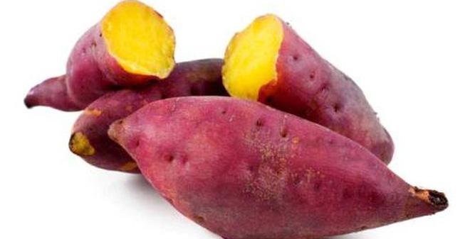 Không nên ăn khoai lang quá nhiều, không nên ăn cả vỏ, không nên ăn khi đói.