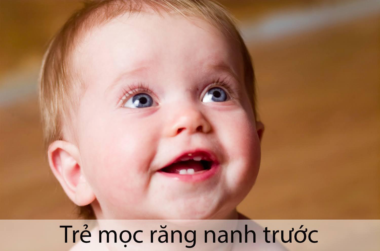 trẻ mọc răng nanh trước răng cửa