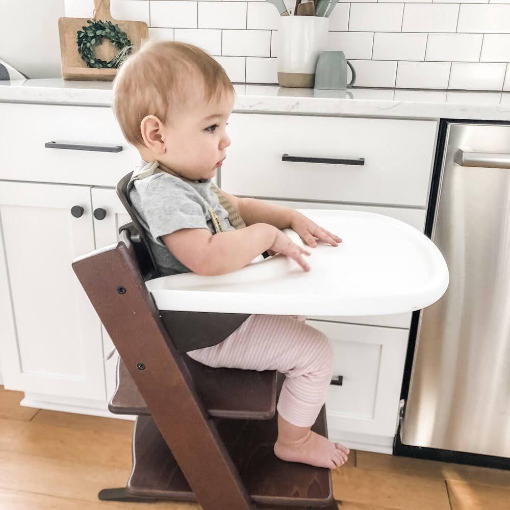 nên mua loại ghế ăn dặm nào cho bé